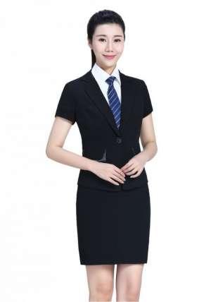 北京工作服厂家谈:定制酒店工服的优点